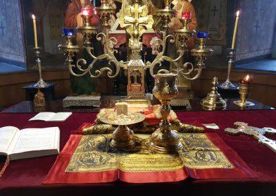 """В светия олтар храм """"Св. Троица"""""""
