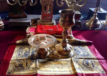 """Богослужение в храм """"Света Троица"""" през Светлата седмица"""